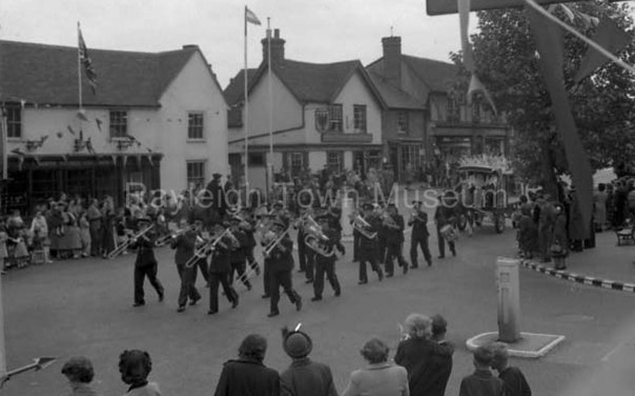 picture of Rayleigh Carnival 1953